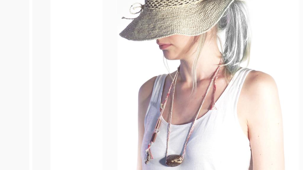 necklace light flamingo tagua